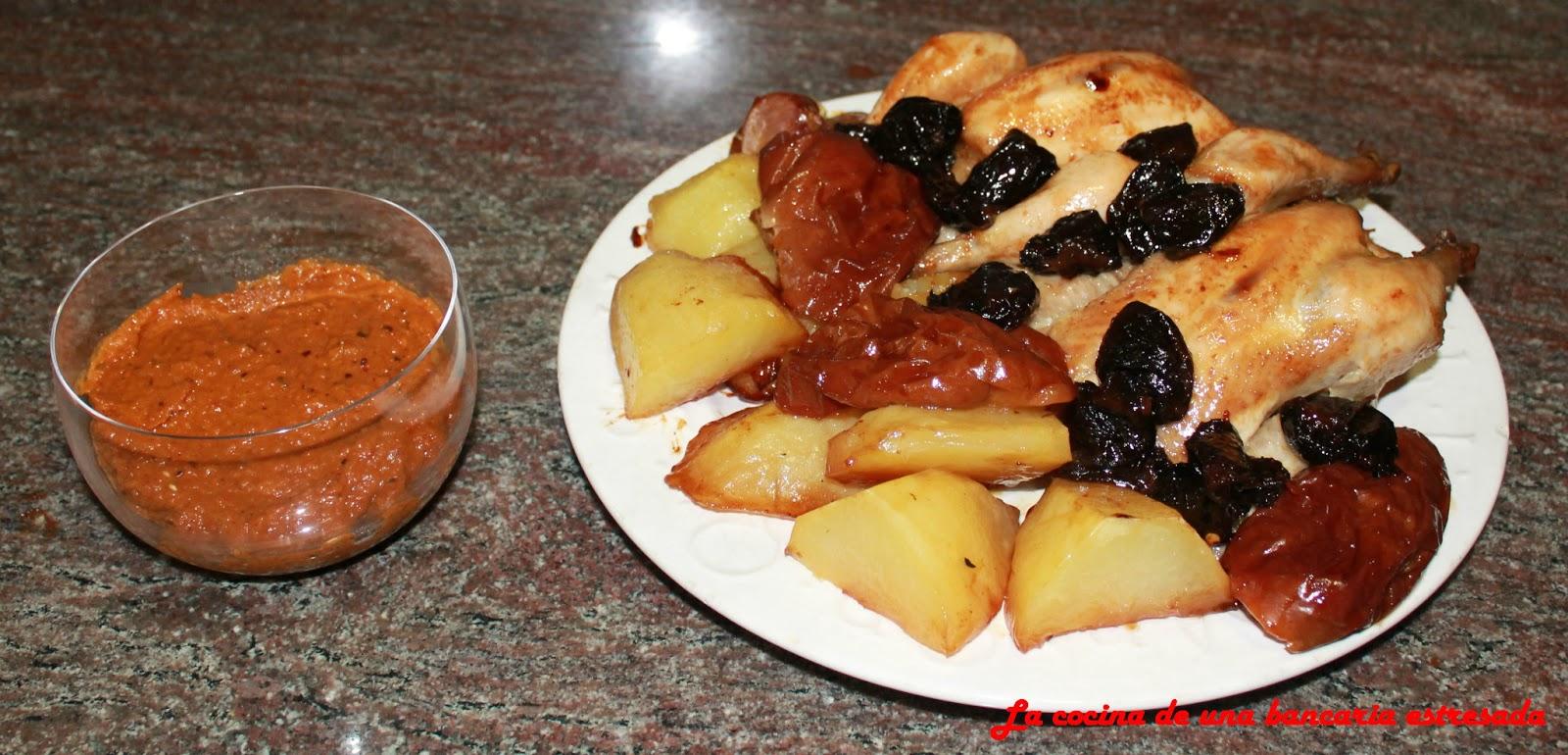 Picantones al horno con ciruelas y manzanas