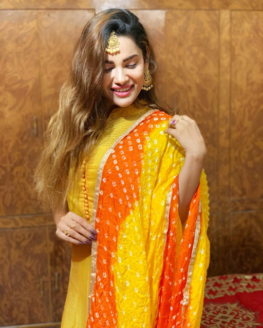 Sakshi Dwivedi (Indian Actress) Wiki, Biography, Age, Height, Family, Career, Awards, and Many More...