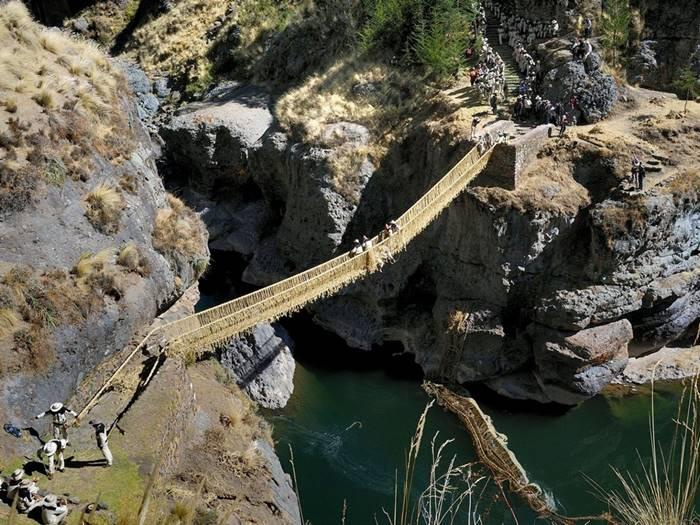 Puente de Keswachaca, Peru