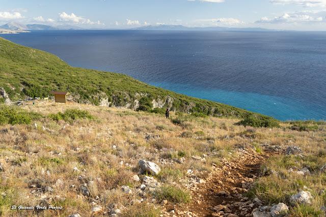 Playa de Gjipe, sendero bunkers - Himara, Albania por El Guisante Verde Project