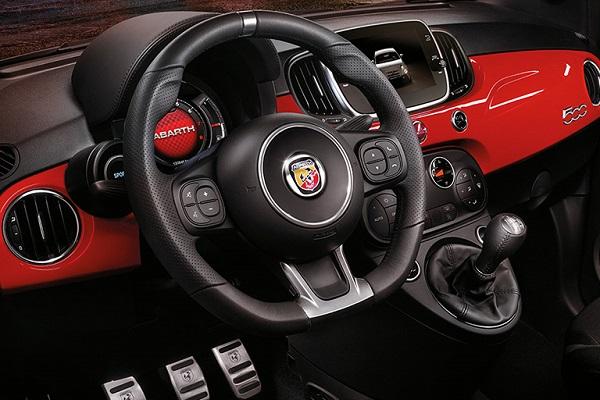 Interior Fiat 500 Abarth 595 Turismo