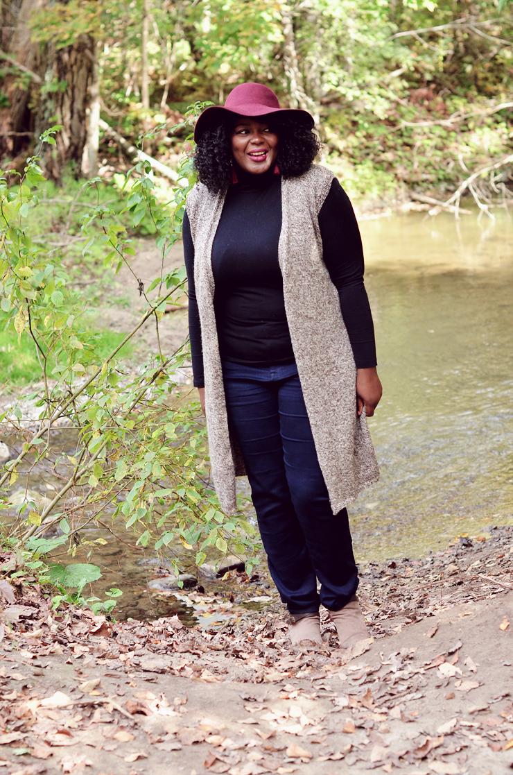 Plus size fall fashion, long cardigan with turtleneck and burgundy floppy hat. #mycurvesandcurls