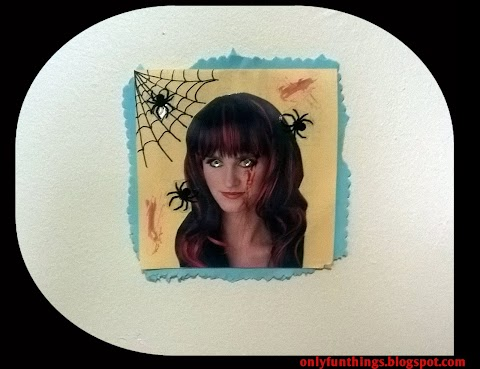 Haunted Portrait- DIY Upcycled Halloween Decorations