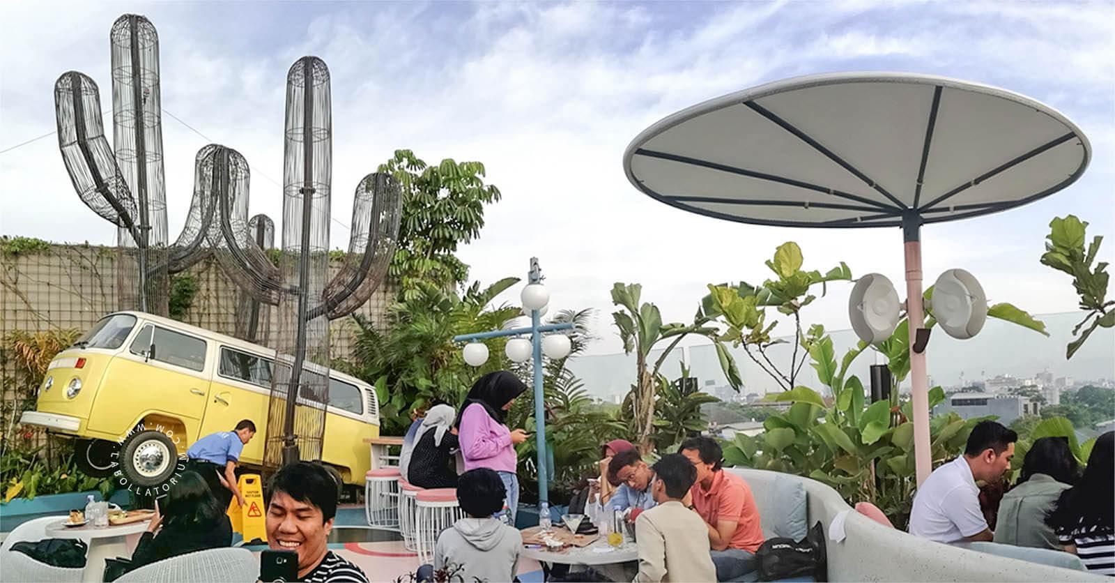 Picknick Kaliki Bandung, Tempat Nongkrong di Rooftop Paling Hits