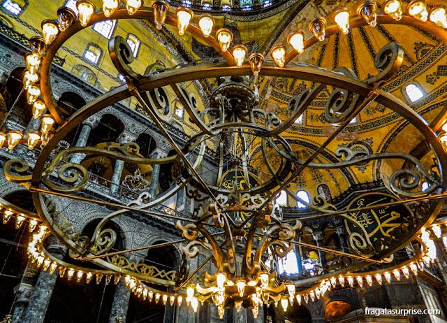 Lustre da Basílica de Santa Sofia, em Istambul