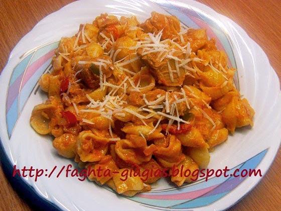 Αχιβάδες ή κοχύλια με σάλτσα τόνου