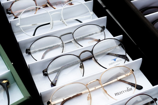 Different types of eyeglasses to choose from
