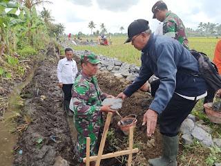 Danramil 0821/01 Lumajang Hadiri Peletakan Batu Pertama Pembangunan Irigasi