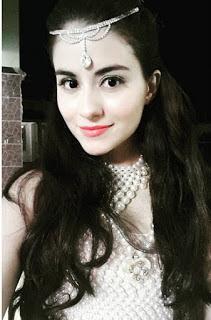 Biodata Loyd Christina