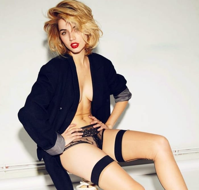 Ana De Armas Sexy Photoshoot Gallery
