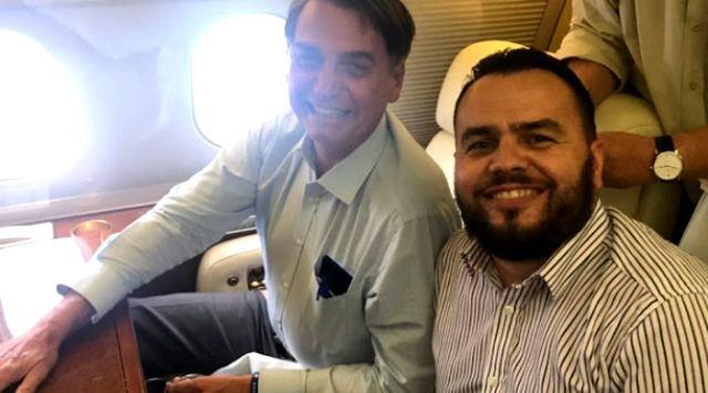 Deputado, braço direito dos Bolsonaro é acusado de rachadinha