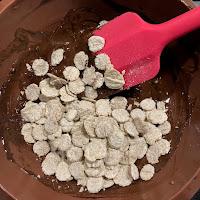 Réalisation des roses des sables chocolat - Ovomaltine crunchy