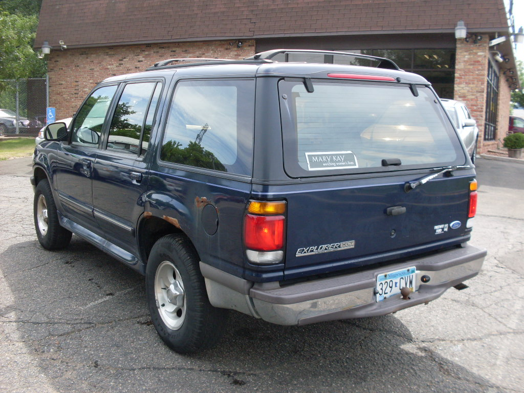 Ride Auto: 1996 Ford Explorer