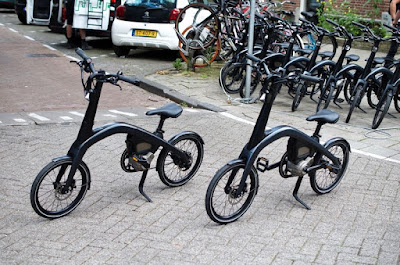TEST-RIDING GM'S FIRST ELECTRIC FOLDING BIKE