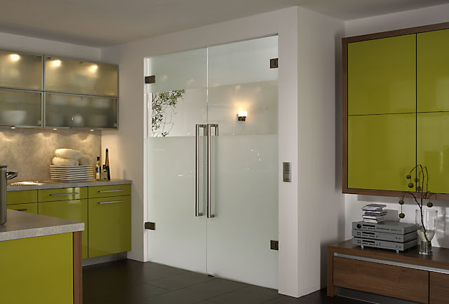 Glass pendular doors - transparent elegance