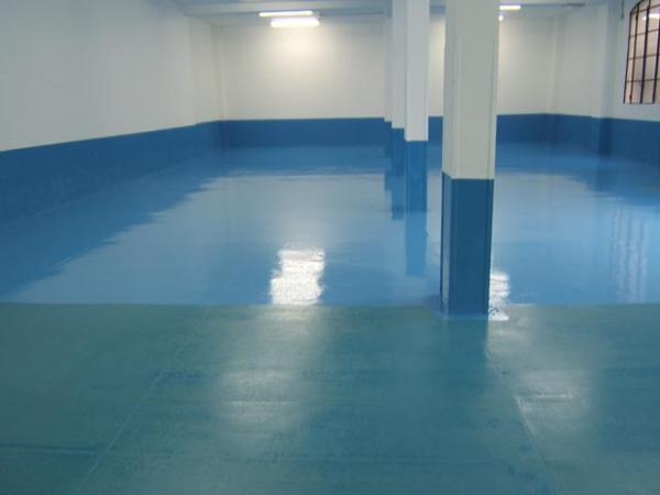 resina epossidica-pavimento interno-effetto lucido