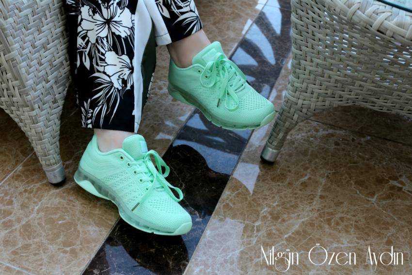 alışveriş-Mint Yeşili Spor Ayakkabısı-tek renkli spor ayakkabı-moda blogu-çiçekli pantolon