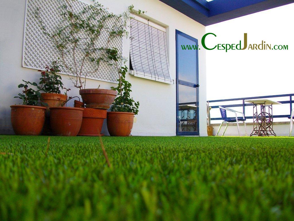 en la terraza o tico nuestro csped artificial contribuir a eliminar el ambiente glido aportando calidez y confort creando un espacio para abstraernos
