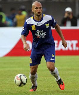 Sergio Van Dijk Resmi Kembali Perkuat Persib Bandung