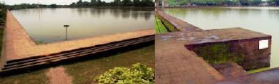 Gambar Kolam Segaran, adalah kolam besar berbentuk persegi panjang dengan ukuran 800x500 meter persegi