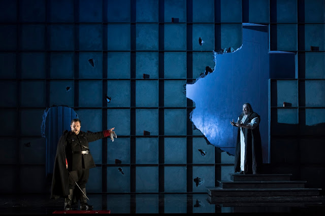 Verdi: La forza del destino - Luis Cansino, Gwyn Hughes Jones - Welsh National Opera (Photo Richard Hubert Smith)