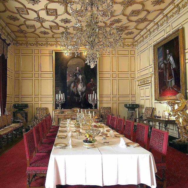 Sala de jantar no castelo de Warwick