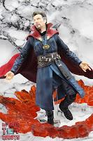 S.H. Figuarts Doctor Strange (Battle On Titan Edition) 20