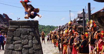 adat-istiadat-yang-ada-di-indonesia