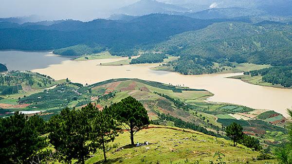 cảnh đẹp hồ Đan Kia suối vàng đà lạt , tỉnh Lâm đồng