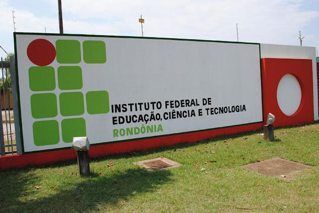 Ifro realiza matrículas de candidatos do processo seletivo especial em Rondônia