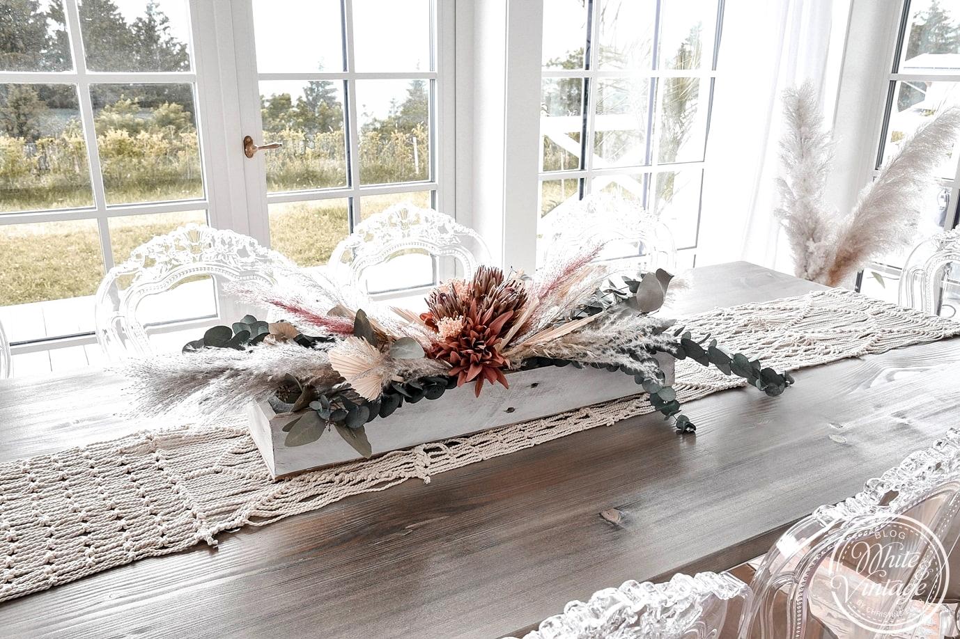 Tischgesteck im Boho-Stil