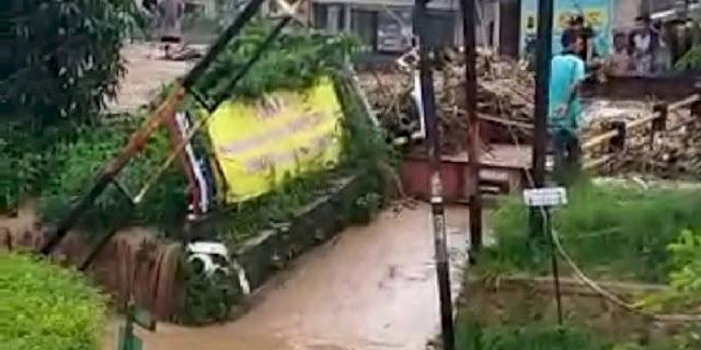 Warga Arcamanik Dikepung Banjir, Para Koruptor Yang Bancakan Proyek RTH Harus Tanggung Jawab