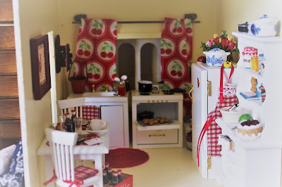 Minature Country Doll House Kitchen, Living from Glory To Glory Blog...