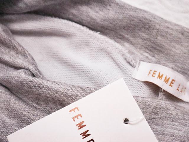 Etiqueta de pantalones de femmeluxe