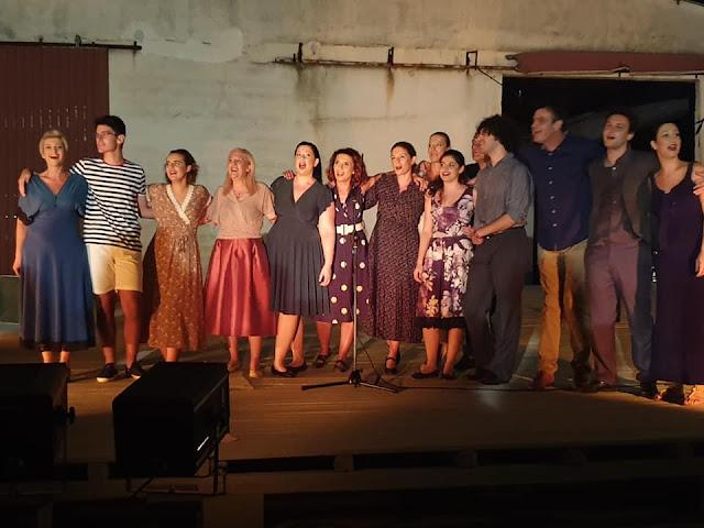 """Εξαιρετική η παράσταση  """"Χρόνια σαν τριαντάφυλλα"""" στη Νέα Κίο Αργολίδας"""
