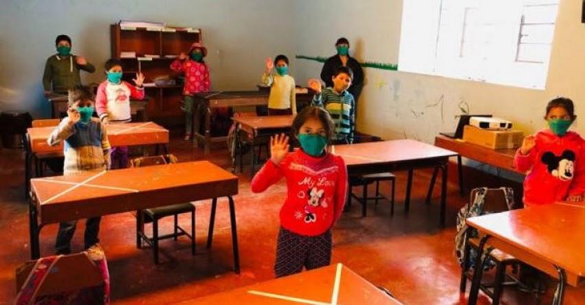 Piden vacunar a profesores que dan clases presenciales en colegios rurales de Arequipa