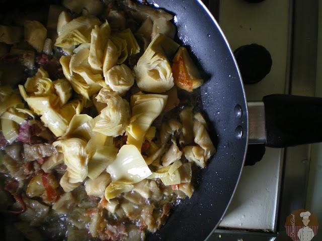 Espaguetis con setas y alcachofas: añadido de las alcachofas