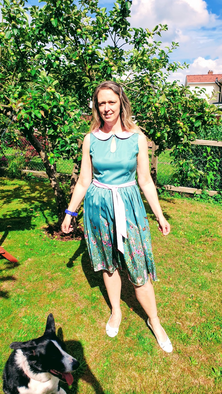 Vintage Swing Dress And Afternoon Tea In The Garden