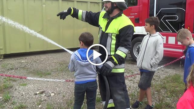 Im Sommercamp der Sportschule Fichtner war die Feuerwehr Valley
