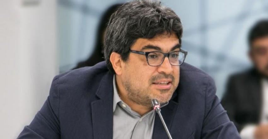 Congreso convoca a Martín Benavides Abanto, superintendente encargado de la SUNEDU