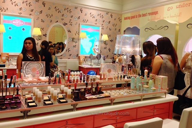 74a9e503f3b Part 2 of the Benefit Cosmetics Boutique Celebration! I love shop tour post!  Because i love to show you a piece of makeup junkie heaven.