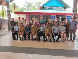 Kantor Imigrasi kelas II Sanggau Di Dampingi Sat Intelkam Polres Melawi Lakukan Pengawasan Orang Asing di Yayasan Sungai Kehidupan Borneo Desa Manggala