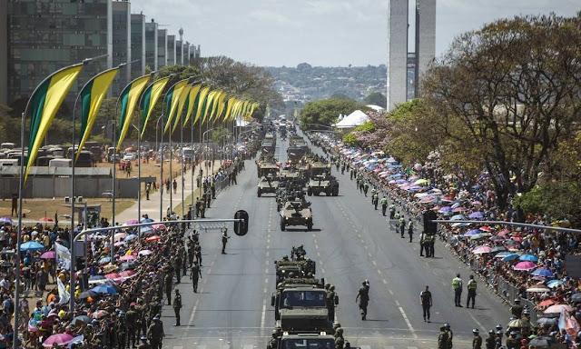 Dia 7 de Setembro, desfile em Brasília, DF