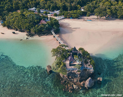 Tempat Wisata Pantai Balekambang Malang