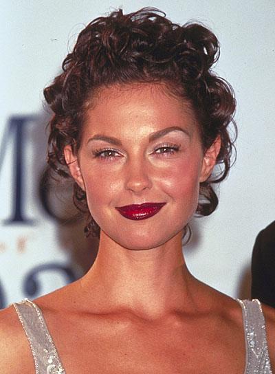 Ashley Judd Hairstyles Short