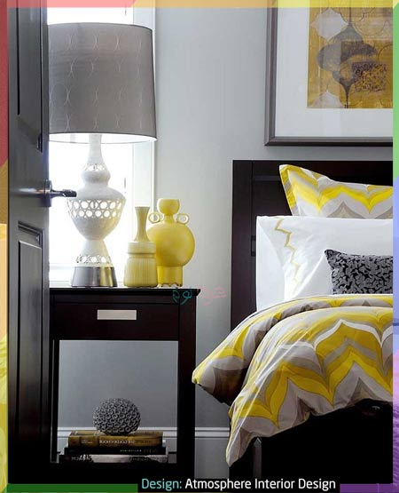 غرفة نوم باللون الرمادي الداكن والأصفر