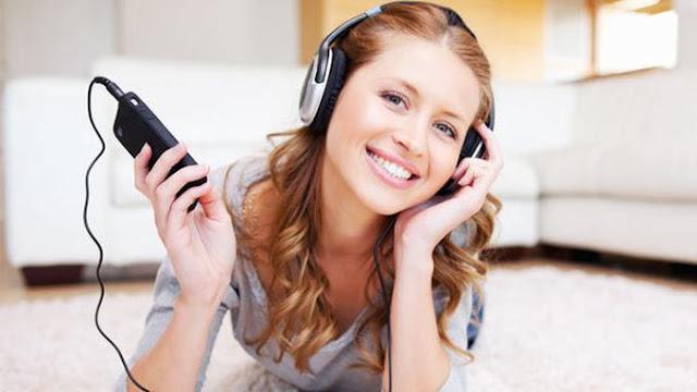 Berikut Bahaya Menggunakan Earphone Bagi Kesehatan