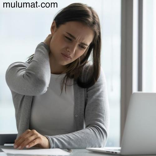 علاج آلام الرقبة في المنزل بطرق بسيطة تضمن لك التخلص من الألم