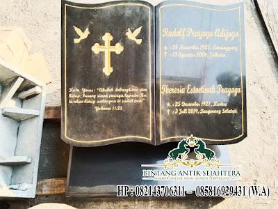 Nisan Buku Batu Granit