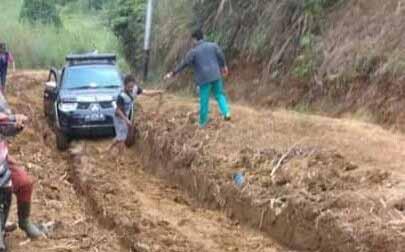 Perbaikan Jalan Renah Pemetik Kerinci Cuma Dianggarkan Rp 800 Juta
